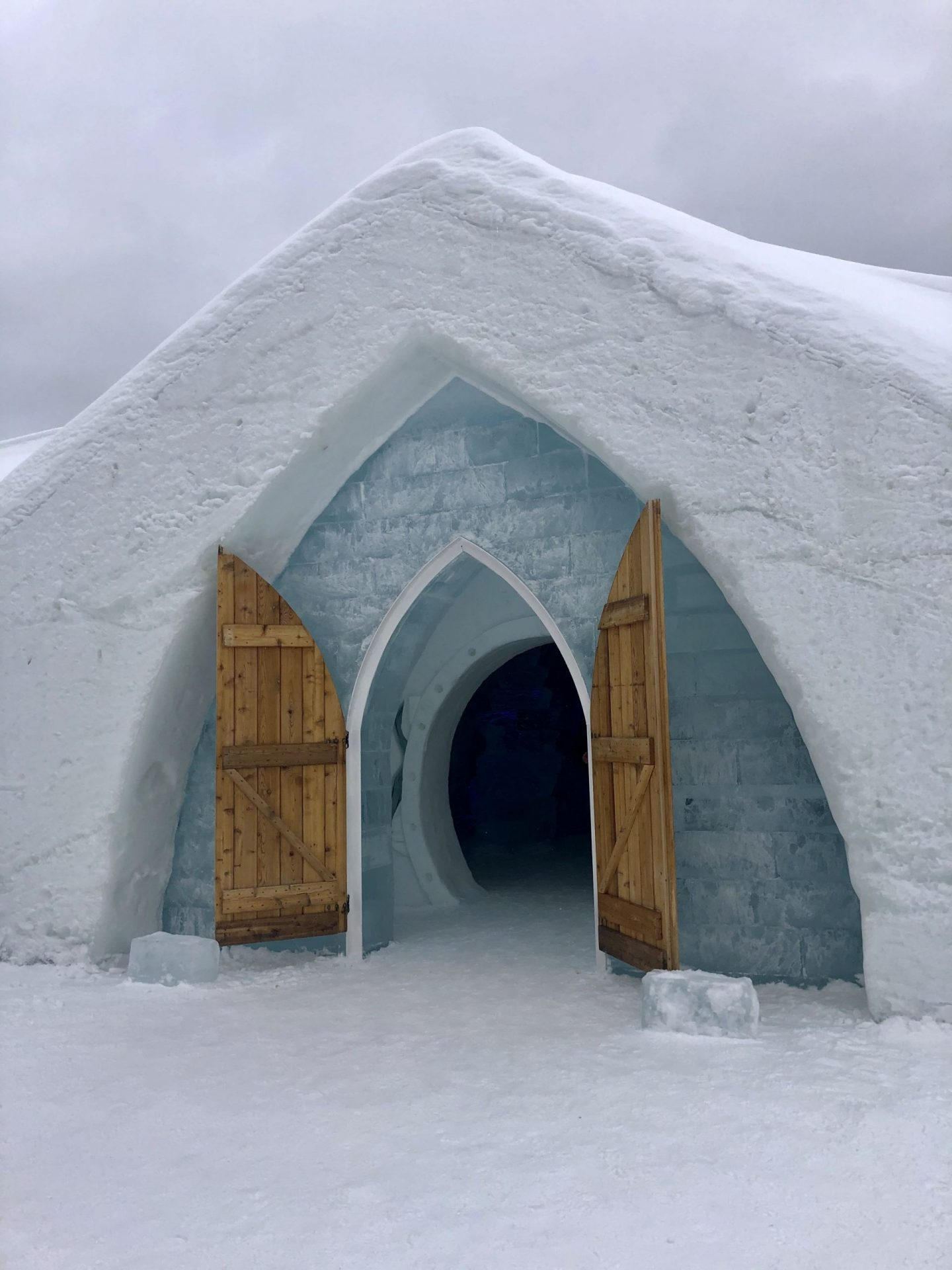 Travel Notes: Hotel de Glace (Ice Hotel) in Quebec City